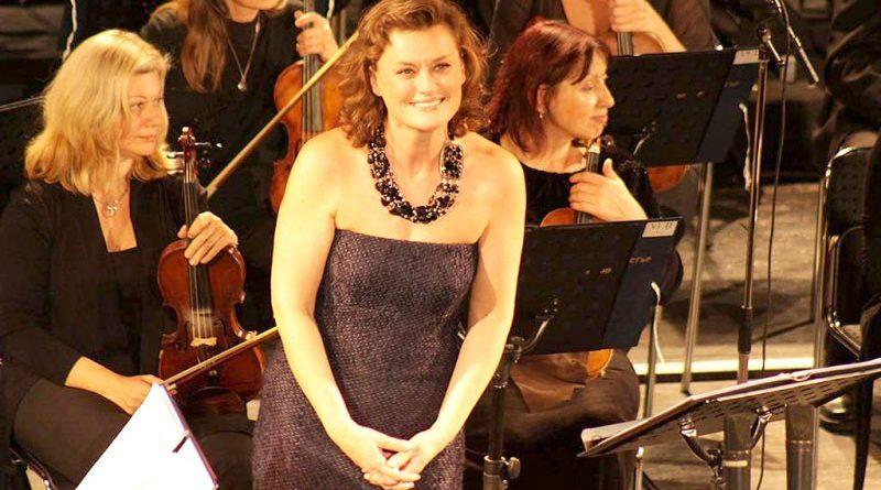 Световната оперната прима Веселина Кацарова се среща със съгражданите си