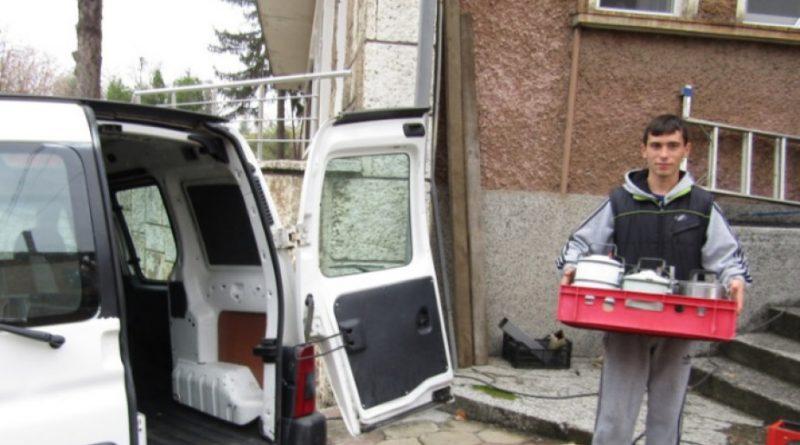 В Стара Загора организират доставка на храни и лекарства за възрастни хора