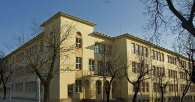 Започва ремонт на две големи старозагорски училища