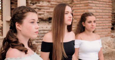 Млади български гласове впечатляват с нов видеоклип на фолклорна песен